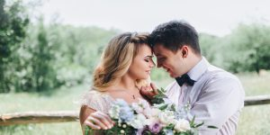 結婚を誓い合う男女
