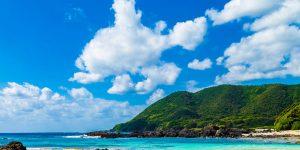 晴れの日のきれいな海岸