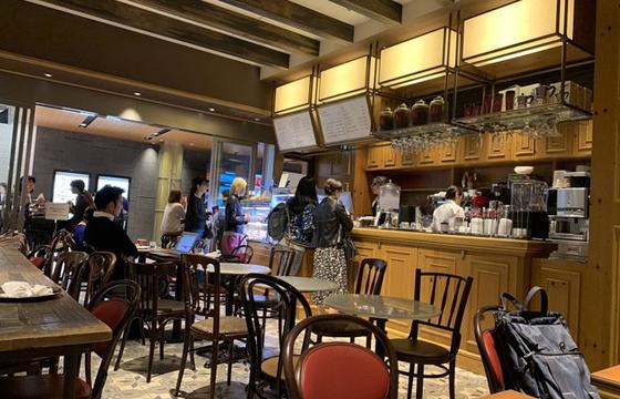 パパ活アプリ顔合わせで使えるアンティコカフェ アルアビス 東京ミッドタウン店2